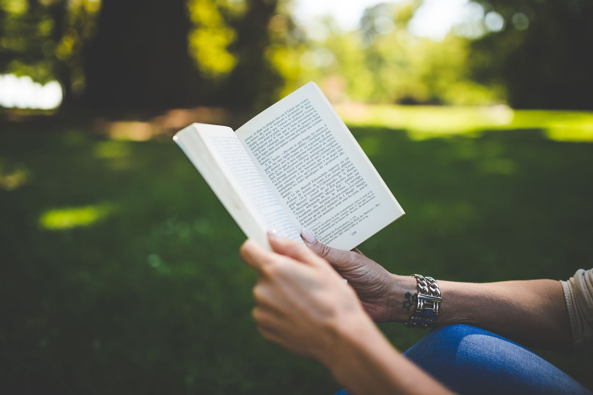 Why Reading Outside is Extremely Beneficial