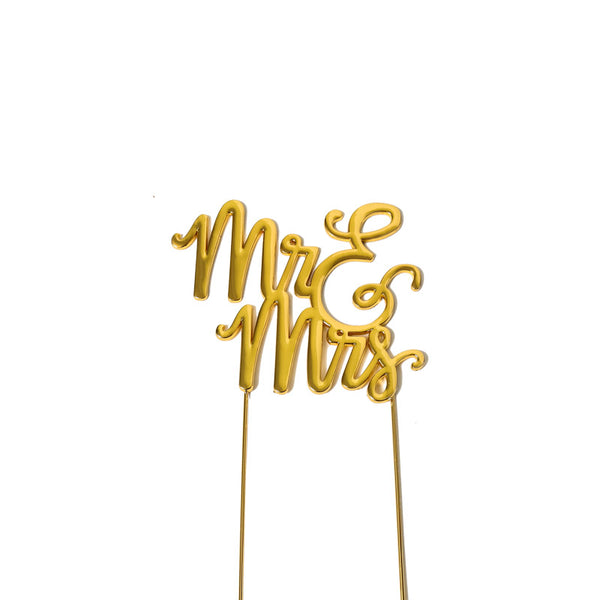 Metal cake topper with the words Mr & Mrs in Gold