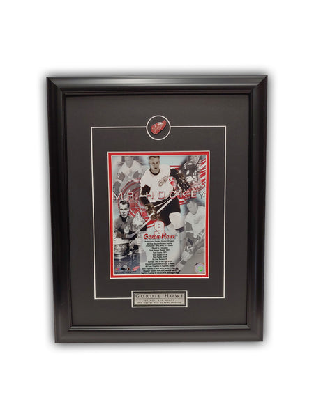 Gordie Howe - MR. HOCKEY - Detroit Red Wings - HOF 19' x 23' - Framed Print