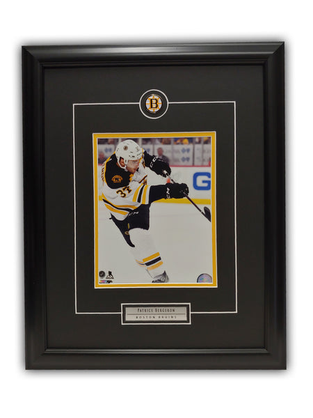 Patrice Bergeron Boston Bruins 19' x 23' Framed Licensed Print