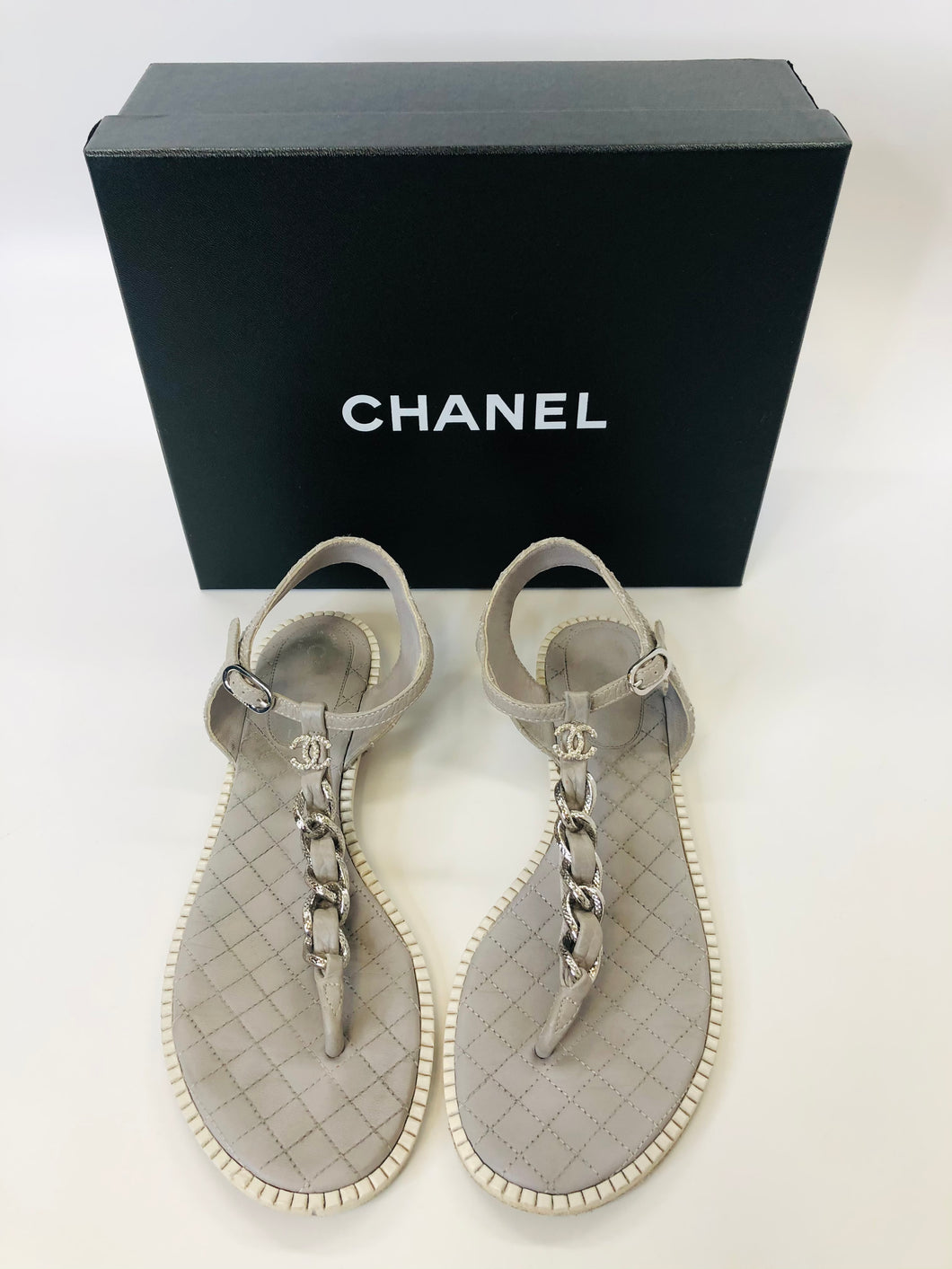 CHANEL Grey and Ivory Chain Thong Sandals Size 40 1/2