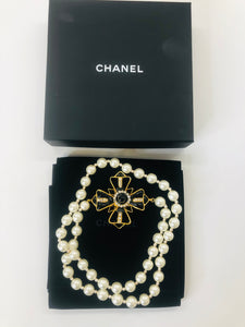 CHANEL Vintage Pearl Necklace