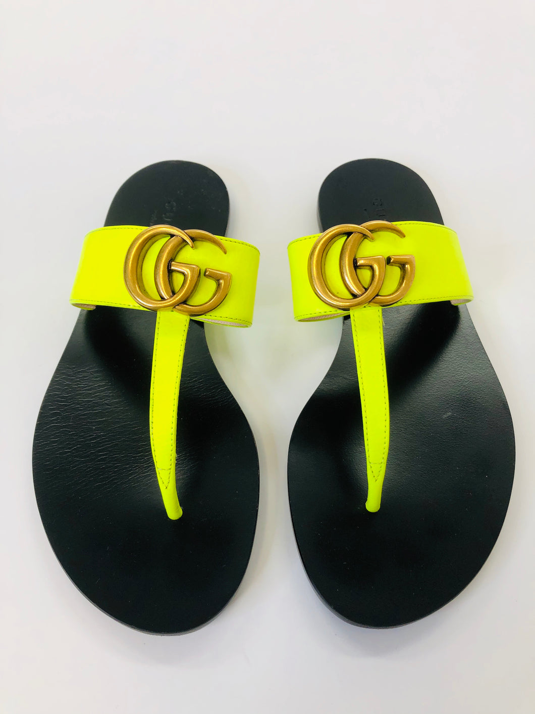 Gucci Lime Green Marmont Thong Sandals size 34 1/2