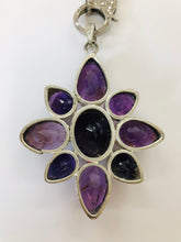 Load image into Gallery viewer, Rainey Elizabeth Flower Pendant
