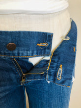Load image into Gallery viewer, J Brand Kat Wide Leg Jeans Size 25