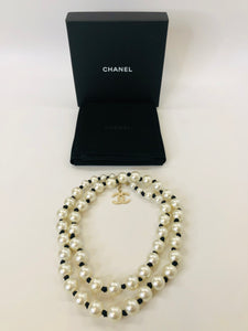 CHANEL 2016/17 Fall Runway Long Fantasy Pearl Necklace