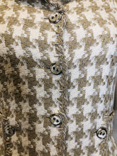 Load image into Gallery viewer, CHANEL Houndstooth Tweed Jacket size 36