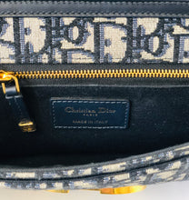 Load image into Gallery viewer, Christian Dior 30 Montaigne Pouch With Chain