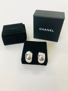 CHANEL Vintage Clip On Earrings