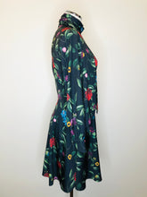 Load image into Gallery viewer, Alice + Olivia Black Wallpaper Floral Mini Dress Size 4