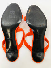 Load image into Gallery viewer, Hermès Orange Suede Sandals Size 40