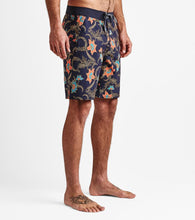 Load image into Gallery viewer, PASSAGE BATAVIA BATIK Boardshorts 19""