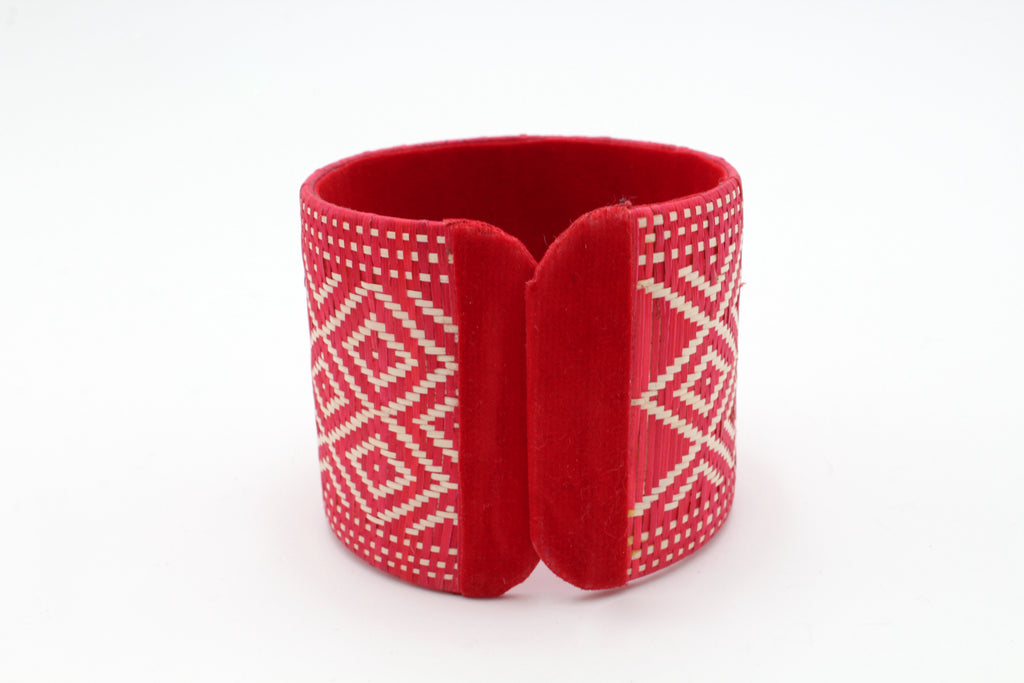 Red Diamond - Large Cuff Caña Flecha Bracelet