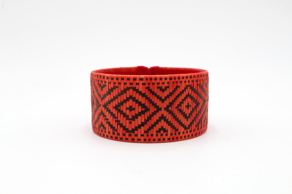 Red and Black Diamond - Medium Cuff Caña Flecha Bracelet