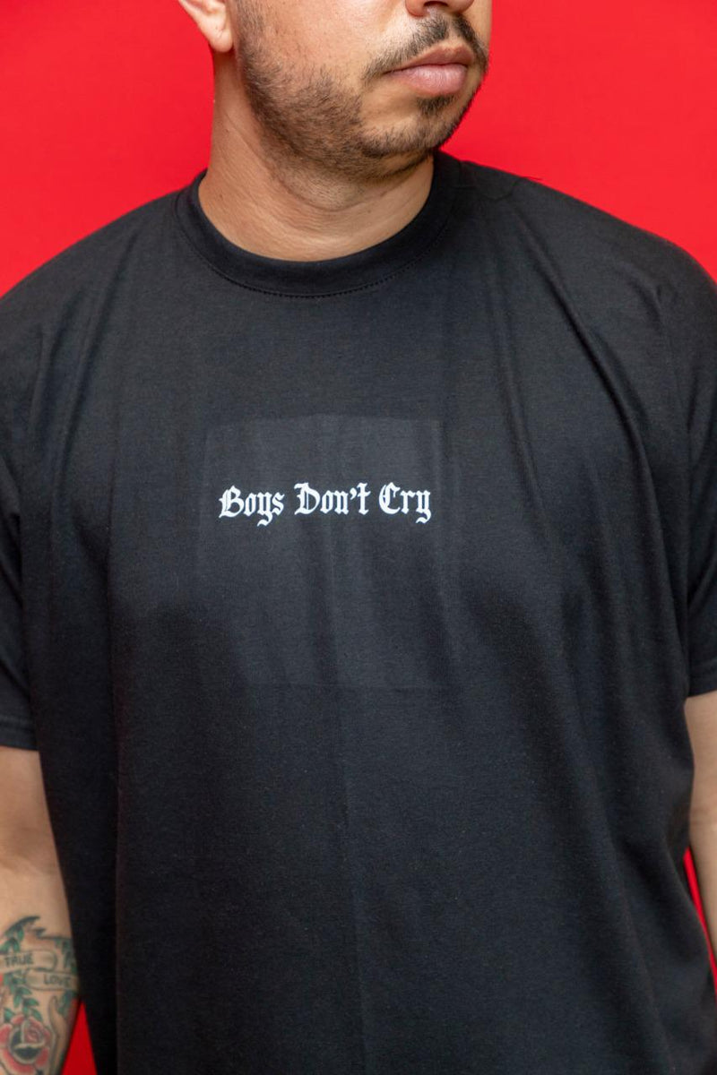 "PLAYERA LONG FIT ""BOYS DON CRY"""