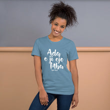 Load image into Gallery viewer, Ada e ji eje mba - Dark - Igbo Inspired Short-Sleeve Unisex T-Shirt