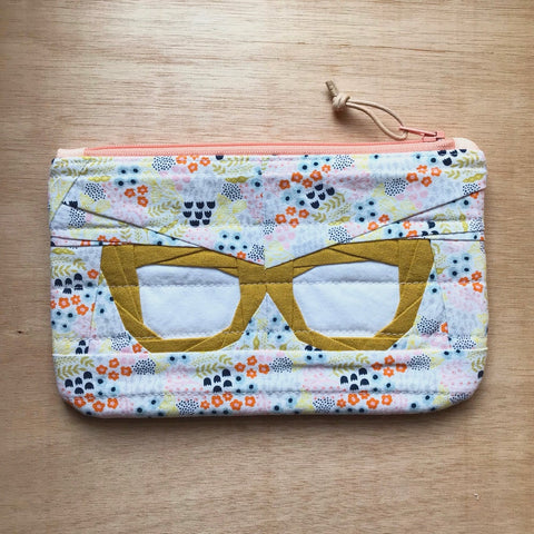 vintage frames pouch - summer blossom