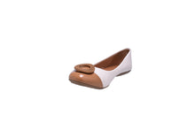 Load image into Gallery viewer, Pearl and Camel Ballerina Flats