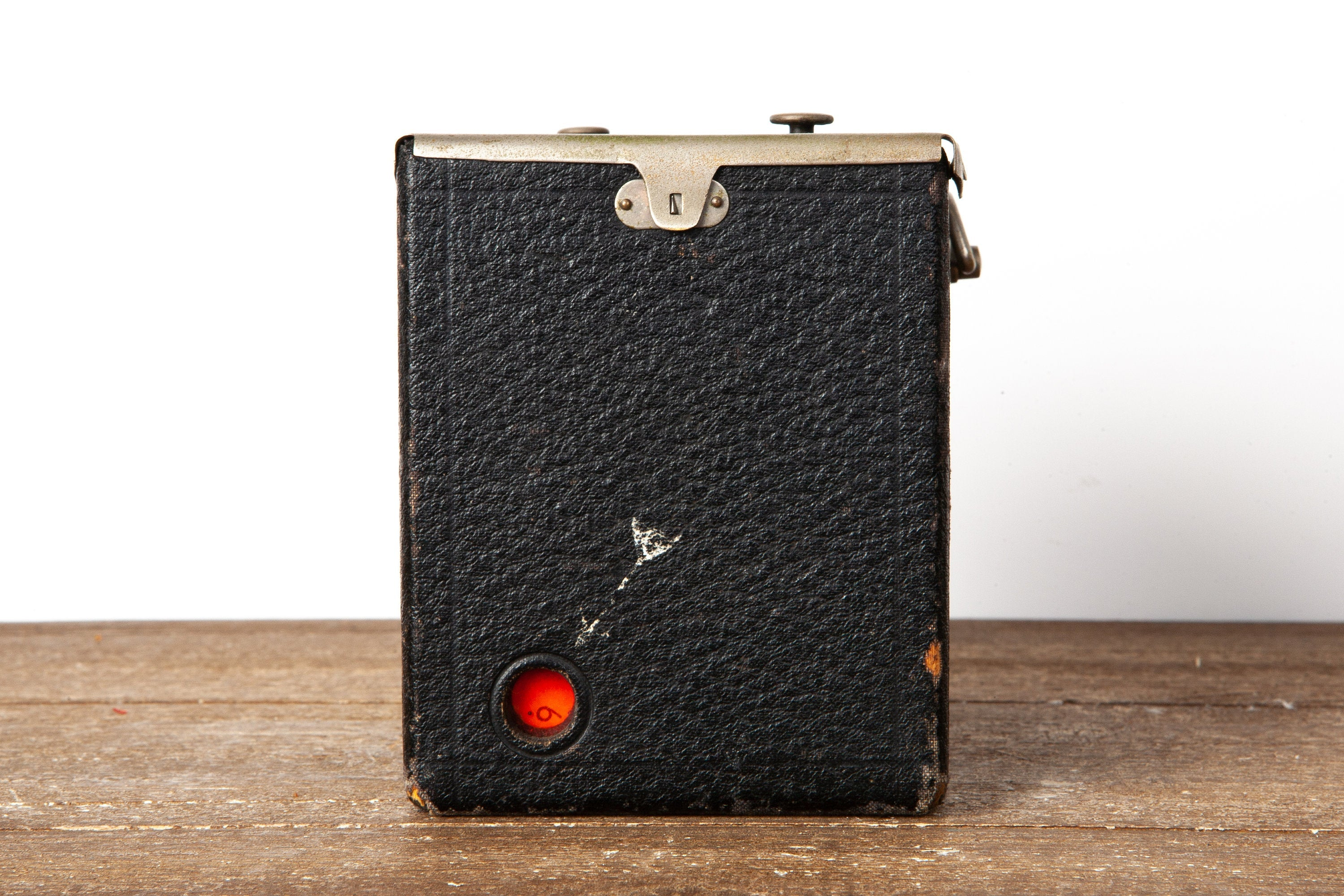 coolvintagecameras - Brownie Box Medium Format Film Camera from 1906 - CoolVintageCameras - Camera