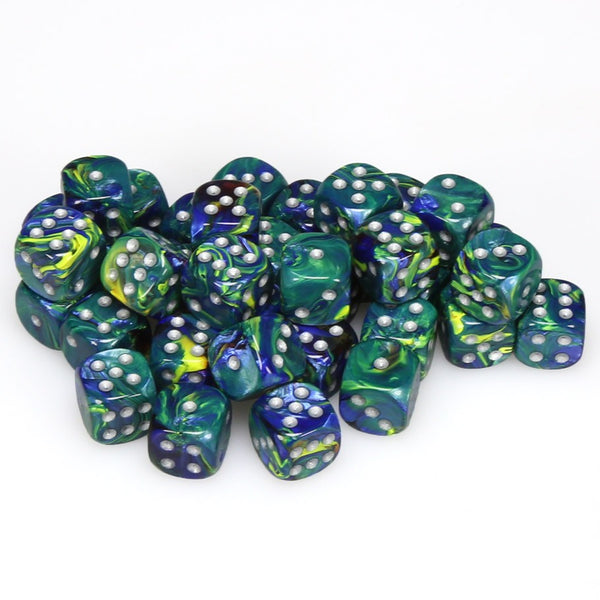 Festive 12mm d6 Green/silver Dice Block (36 dice)