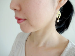 Flower in Gold Leaf Metal Plate Earrings with Pearl.