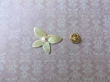 Load image into Gallery viewer, Butterfly Brooch Pin, Gold Butterfly Hat Pin, Lapel Pin.