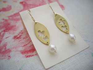 Flower in Gold Leaf Earrings with Pearl