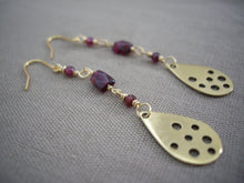 Load image into Gallery viewer, Garnet and Gold  Teardrop Long Earrings.