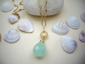 Green Chalcedony Drop Stone Necklace