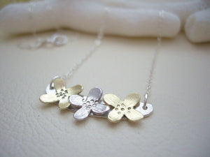Three Flowers Bar Necklace, Dainty Modern Jewelry, Refined Silver And Gold Pendant.