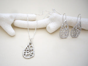 Teardrop Filigree Silver earrings, Floral Drop Earrings, Lacy Jewelry.
