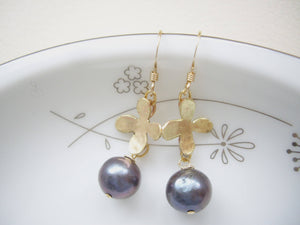 Peacock Pearl Flower Earrings, Black Pearl Refined Handcrafted Jewelry