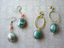 Load image into Gallery viewer, Green Natural Stone Vintage Look Antique Bronze Earrings.