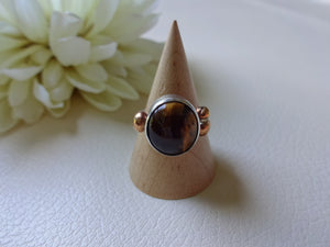 Tiger's Eye Solitaire Ring, Bezel Setting Stone, Sterling Silver Artisan Jewelry, Avant-Garde Statement Ringe