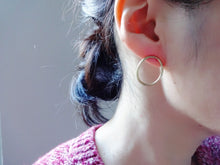Load image into Gallery viewer, Modern loop earrings, Minimalist jewelry, Gold studs, Oval link.