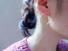 Load image into Gallery viewer, Modern loop earrings, Minimalist jewelry, Gold studs, Oval link