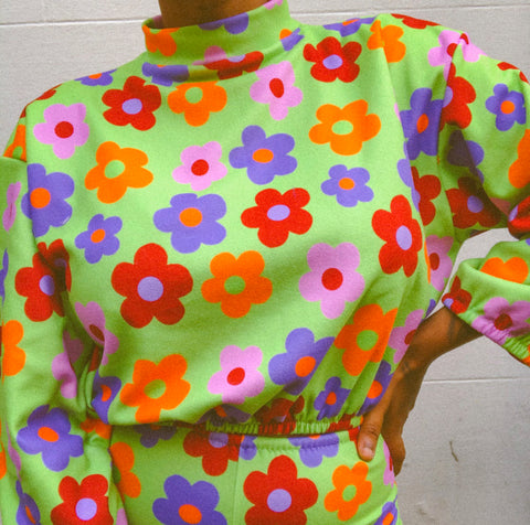Green flower power cropped sweater