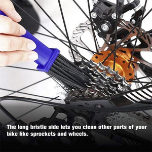 Portable bike chain cleaning tool