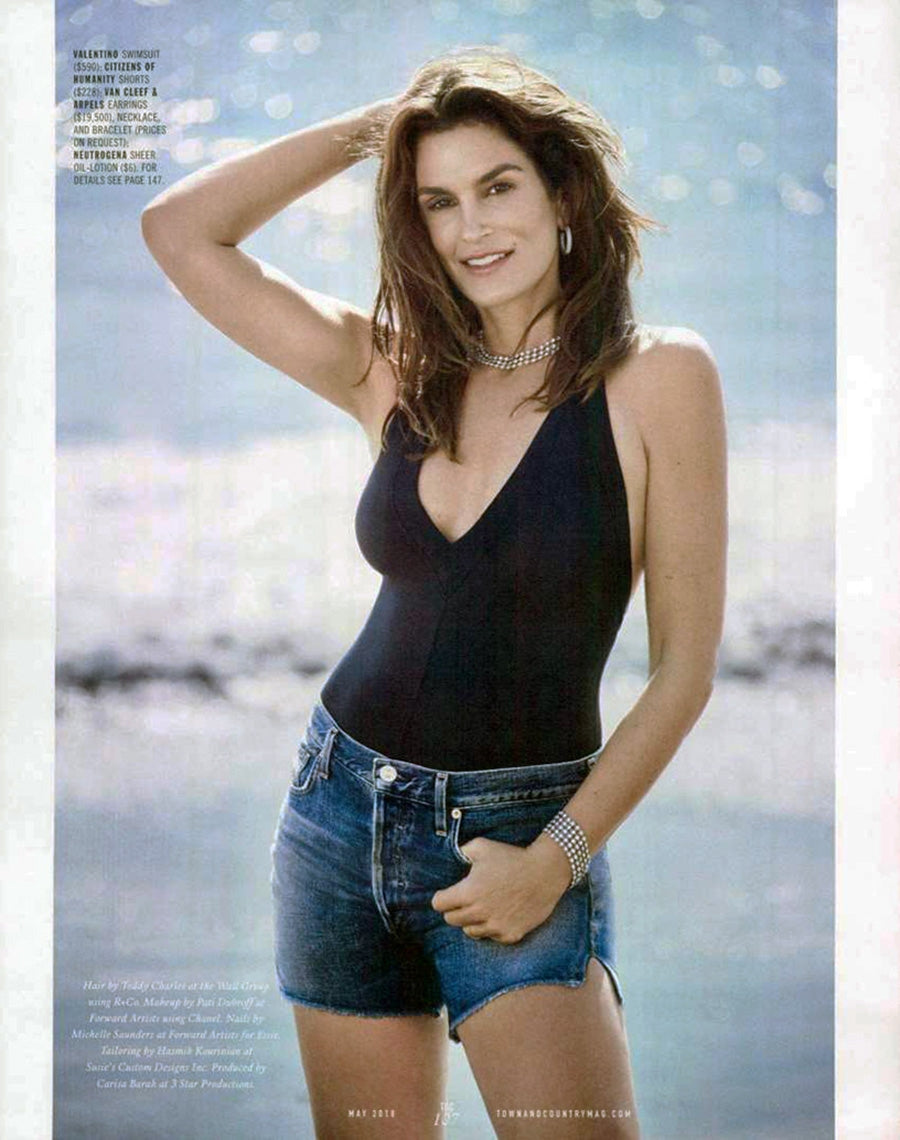 Cindy Crawford wearing the Citizens of Humanity Nikki High Rise Short