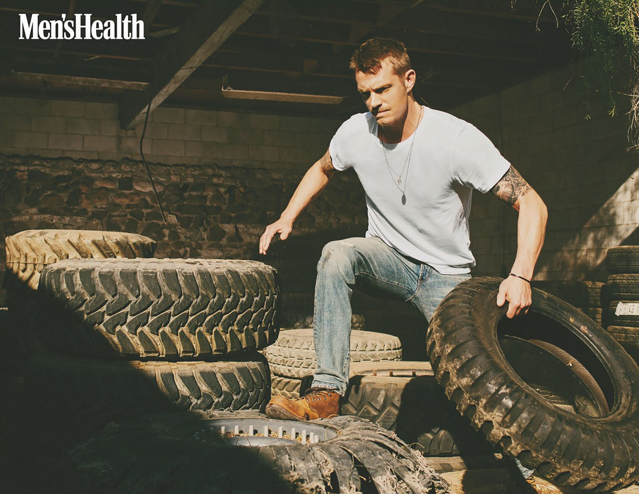 Joel Kinnaman wearing the Citizens of Humanity Noah Skinny in Calexico
