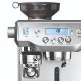 Sage Oracle volautomaat koffiemachine close-up RVS
