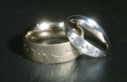 Wedding bands in 14K White Gold and Platinum