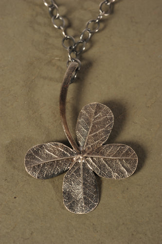 julep clover necklace