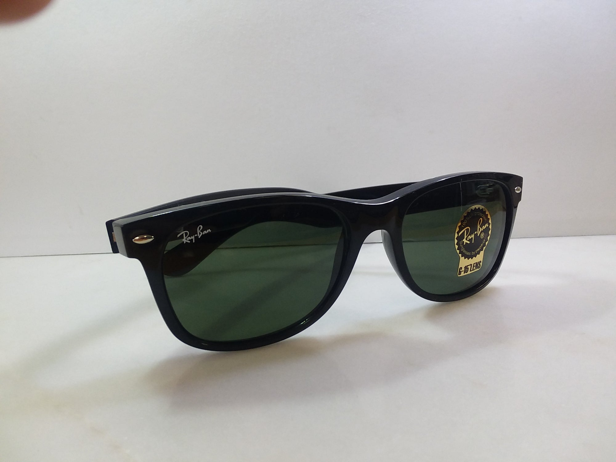 Ray Ban / Color / Gold / Style / Aviator / Eye Size 58