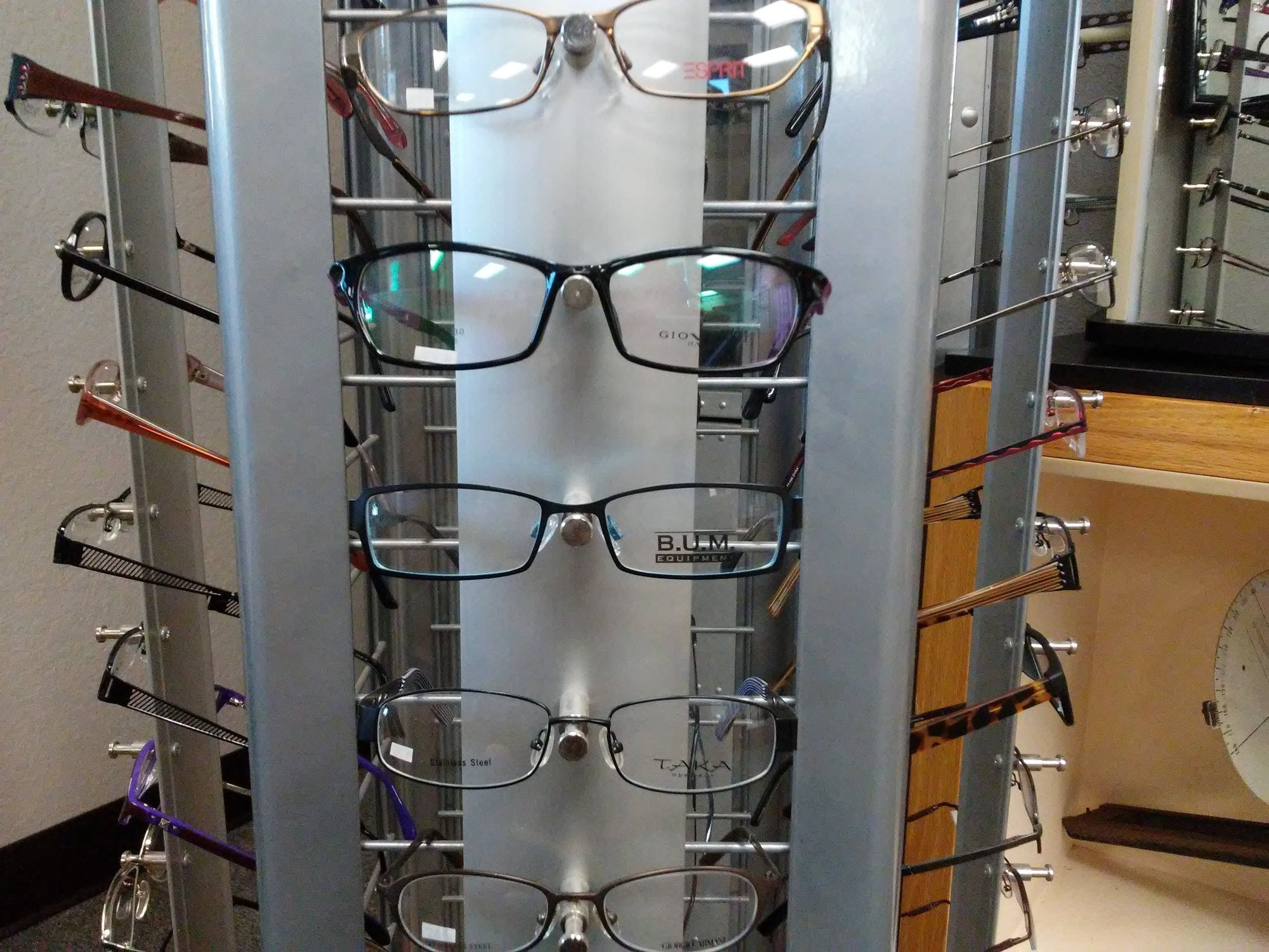 Eyeglasses at Hills Optical in Nogales choose from many various