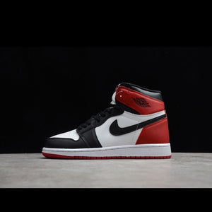 Air Jordan 1 Retro High-Black Toe