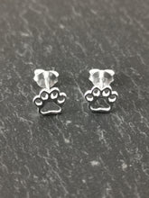 Load image into Gallery viewer, 925 Sterling Silver Hollow Paw Print Stud Earrings