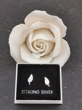 Load image into Gallery viewer, 925 Sterling Silver Small Leaf Stud Earrings