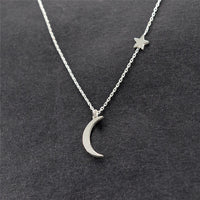 Simple Star & Moon Pendant Necklace - Online-store
