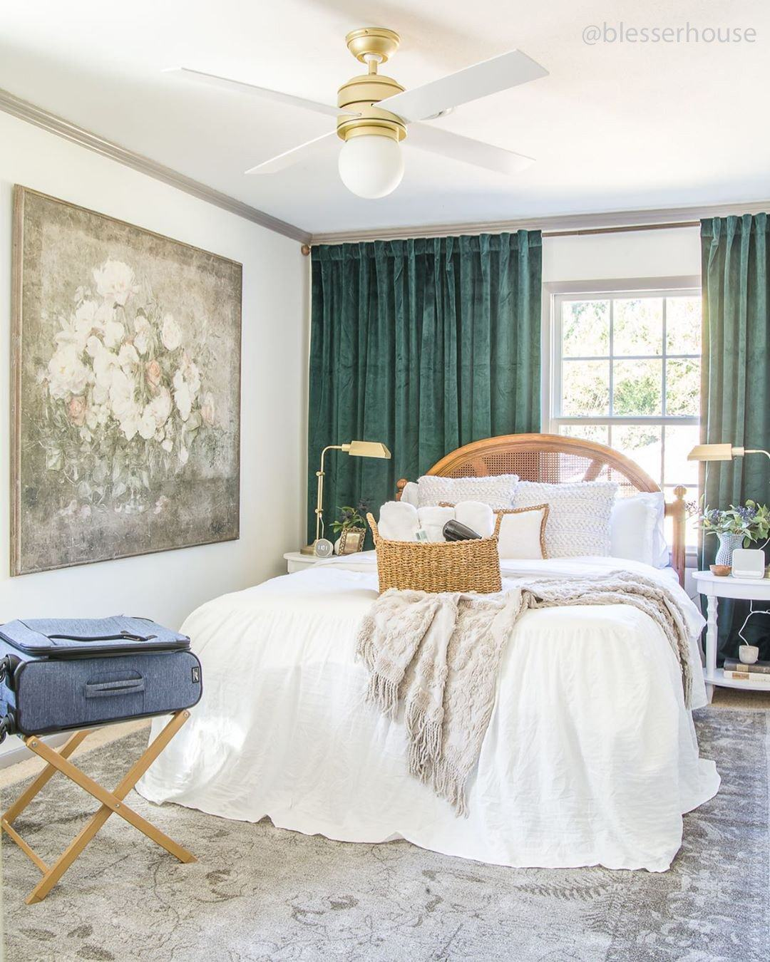 Four easy ways to prepare your guest bedroom for the holidays